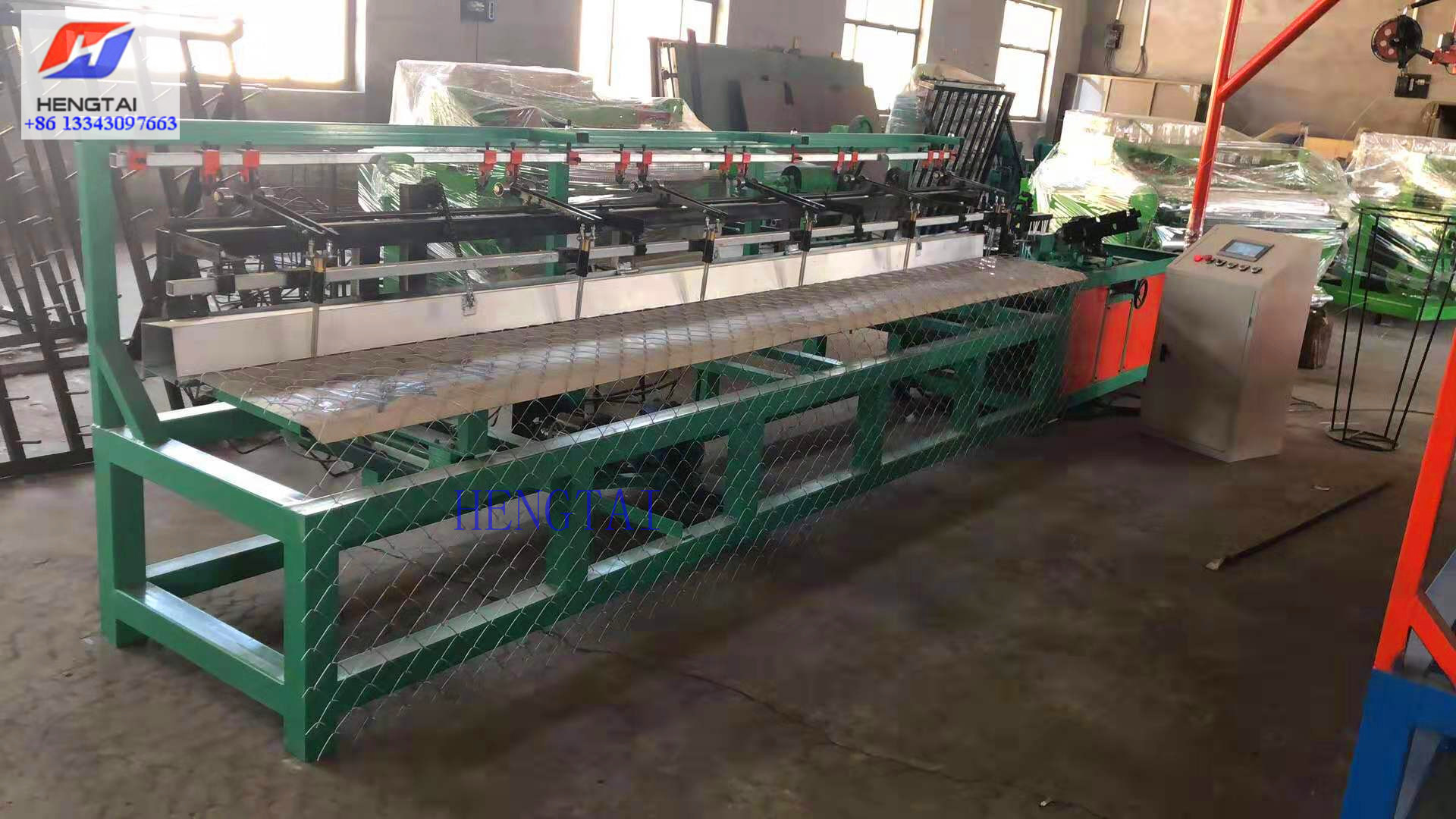 Semi Automatic Chain Link Fencing Machine (3)